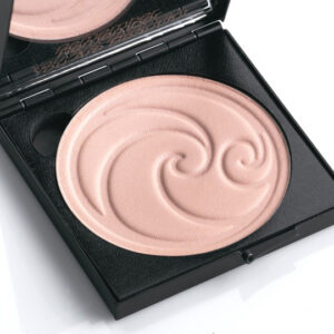 Living-Nature-Luminous-Pressed-Powder-kompaktes-Gesichtspuder
